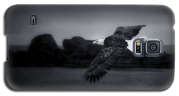 Galaxy S5 Case featuring the photograph Bald Eagle In Flight by John A Rodriguez