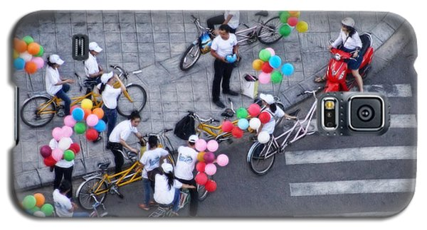 Galaxy S5 Case featuring the photograph Balloons And Bikes by Cameron Wood
