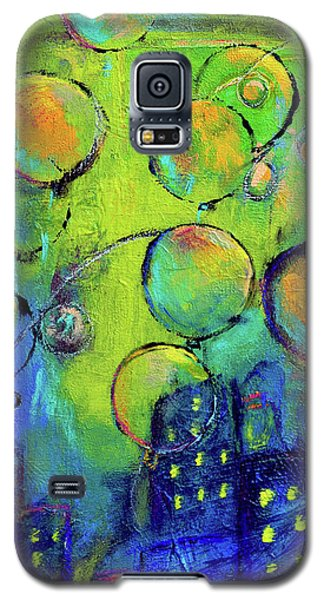 Cheerful Balloons Over City Galaxy S5 Case