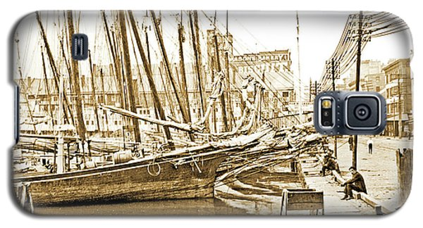 Galaxy S5 Case featuring the photograph Baltimore Harbor 1900 Vintage Photograph by A Gurmankin