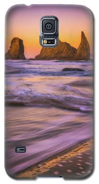 Galaxy S5 Case featuring the photograph Bandon's Breath by Darren White