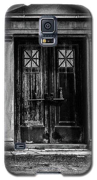Bar Across The Door Galaxy S5 Case by Bob Orsillo