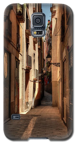 Galaxy S5 Case featuring the photograph Barcelona - Gothic Quarter 004 by Lance Vaughn