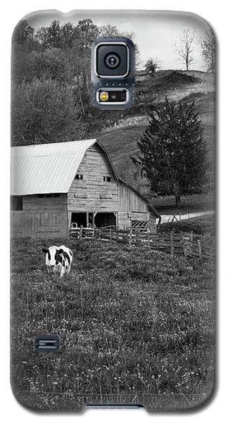 Galaxy S5 Case featuring the photograph Barn 4 by Mike McGlothlen