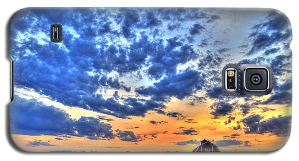 Barn And Sky Galaxy S5 Case