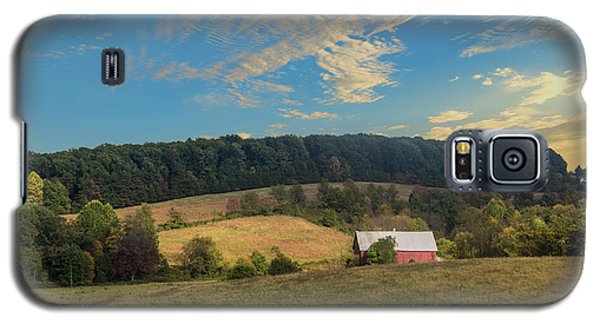 Barn In Field Galaxy S5 Case
