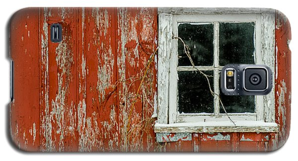 Galaxy S5 Case featuring the photograph Barn Window by Dan Traun