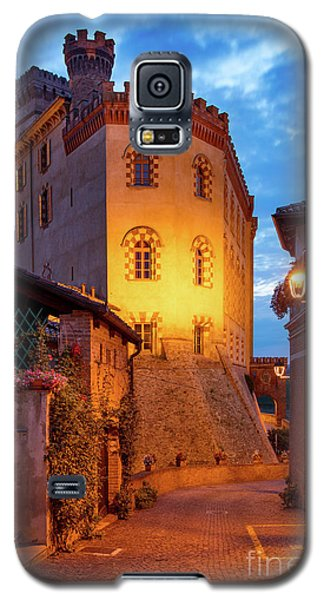 Galaxy S5 Case featuring the photograph Barolo Morning by Brian Jannsen