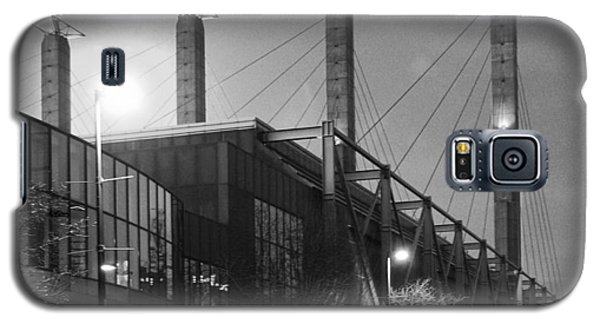Galaxy S5 Case featuring the photograph Bartle Hall by Jim Mathis