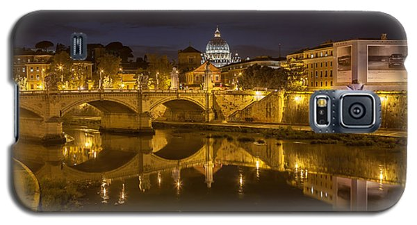 Galaxy S5 Case featuring the photograph Basilica Over The River Tiber by Ed Cilley