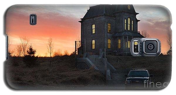Bates Motel At Night Galaxy S5 Case by Jim  Hatch