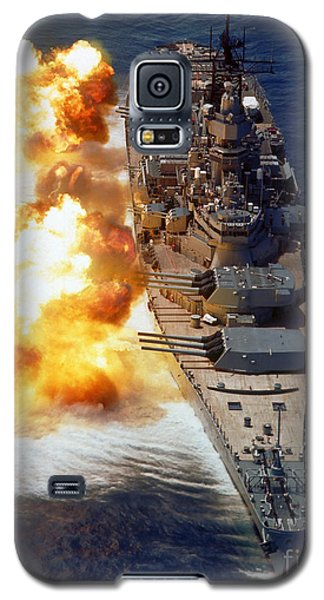 Battleship Uss Iowa Firing Its Mark 7 Galaxy S5 Case