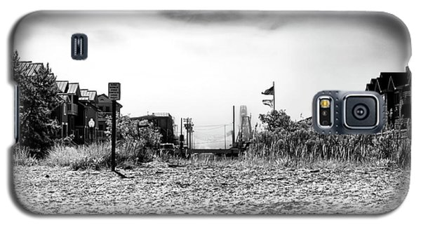 Galaxy S5 Case featuring the photograph Bay Beach by John Rizzuto