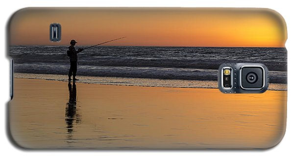 Beach Fishing At Sunset Galaxy S5 Case