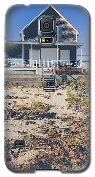 Galaxy S5 Case featuring the photograph Beach Front Cottage by Edward Fielding