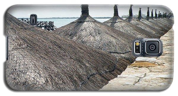 Beach Huts At The Grand Mayan Galaxy S5 Case