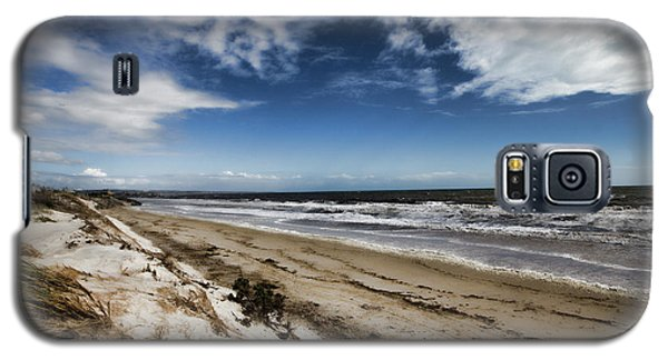 Galaxy S5 Case featuring the photograph Beach Life by Douglas Barnard