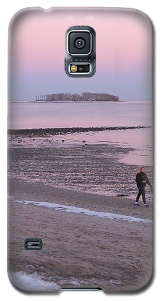Galaxy S5 Case featuring the photograph Beach Stroll by John Scates