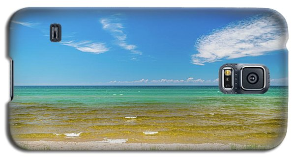 Beach With Blue Skies And Cloud Galaxy S5 Case