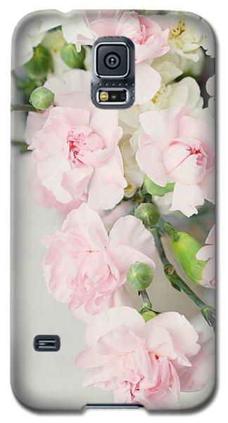 Beautiful Carnations Galaxy S5 Case by Stephanie Frey
