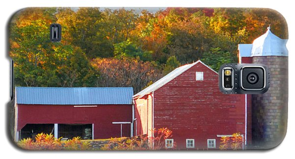 Beautiful Red Barn 2 Galaxy S5 Case by Lanjee Chee