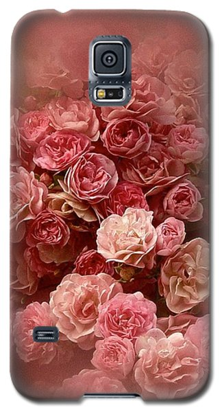 Beautiful Roses 2016 Galaxy S5 Case by Richard Cummings