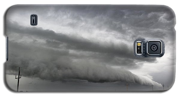 Galaxy S5 Case featuring the photograph Beautiful Shelf Cloud by Ryan Crouse