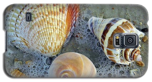 Beautiful Shells In The Surf Galaxy S5 Case