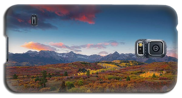 Galaxy S5 Case featuring the photograph Beautiful Tints Of Autumn by Tim Reaves