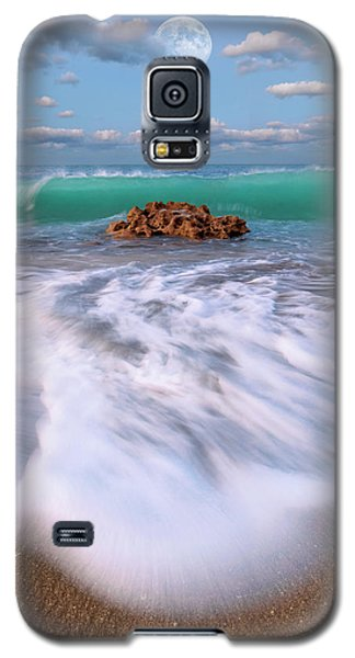 Beautiful Waves Under Full Moon At Coral Cove Beach In Jupiter, Florida Galaxy S5 Case