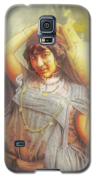 Bedouine Water Carrier Galaxy S5 Case by Jack Torcello