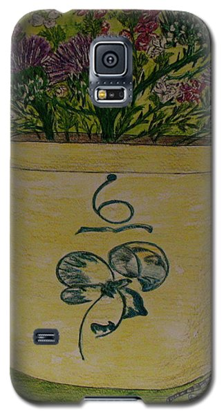 Galaxy S5 Case featuring the painting Bee Sting Crock With Good Luck Bow Heather And Thistles by Kathy Marrs Chandler
