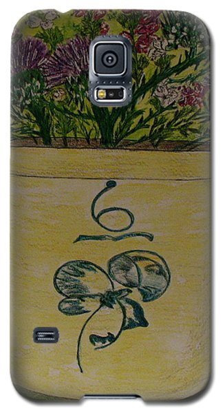 Bee Sting Crock With Good Luck Bow Heather And Thistles Galaxy S5 Case by Kathy Marrs Chandler