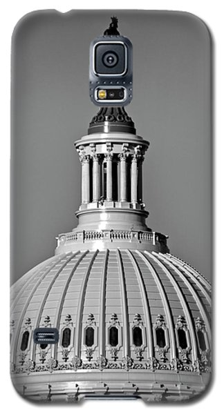 Galaxy S5 Case featuring the photograph Behind Liberty In Black And White by Chrystal Mimbs