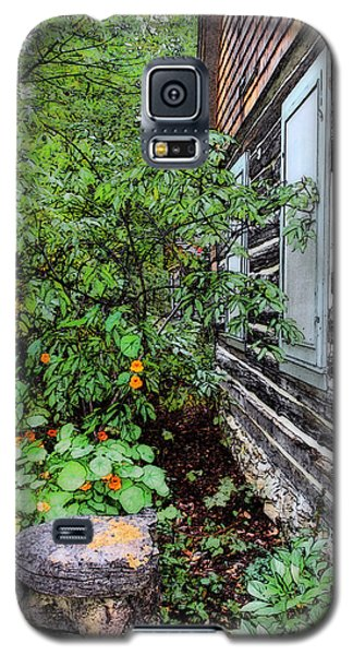 Behind The Dorm At The Clearing Galaxy S5 Case