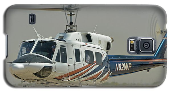 Galaxy S5 Case featuring the photograph Bell 212 N82wp Phoenix-mesa Gateway Airport Arizona April 15 2016 by Brian Lockett
