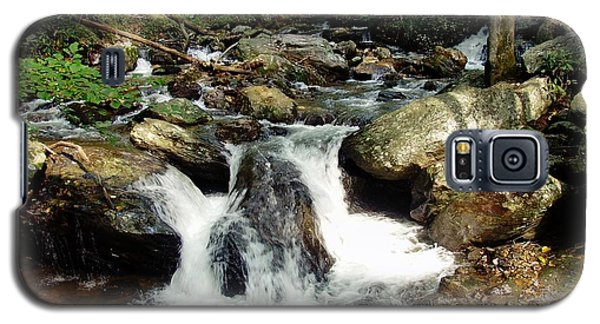 Galaxy S5 Case featuring the photograph Below Anna Ruby Falls by Jerry Battle