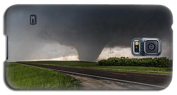 Galaxy S5 Case featuring the photograph Bennington Kansas Wedge by James Menzies