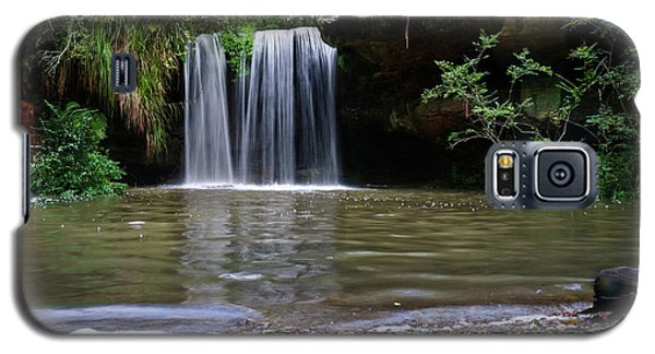 Galaxy S5 Case featuring the photograph Berowra Waterfall by Werner Padarin