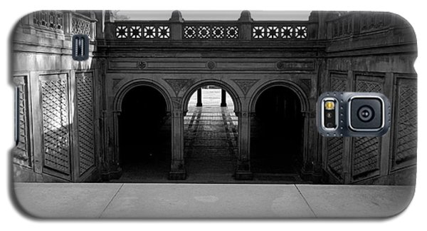 Bethesda Terrace In Central Park - Bw Galaxy S5 Case