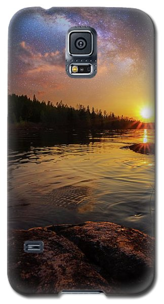 Between Heaven And Earth Galaxy S5 Case by Rose-Marie Karlsen