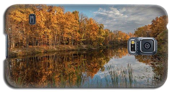 Beyer's Pond In Autumn Galaxy S5 Case