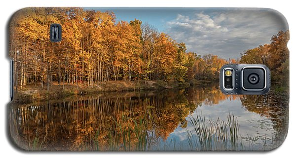 Beyer's Pond In Autumn Galaxy S5 Case