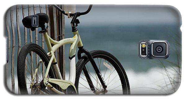 Bicycle On The Beach Galaxy S5 Case by Julie Niemela