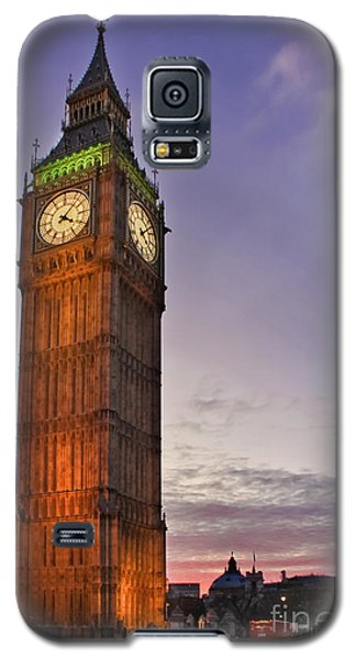 Galaxy S5 Case featuring the photograph Big Ben Twilight In London by Terri Waters