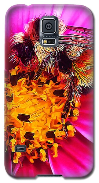 Big Bumble On Pink Galaxy S5 Case by ABeautifulSky Photography