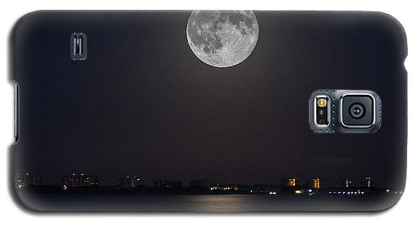 Big Moon Over The Bay Galaxy S5 Case