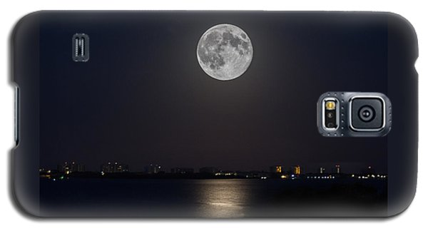 Big Moon Over The Bay Galaxy S5 Case