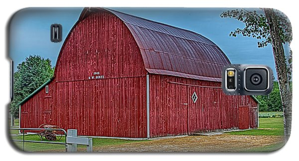 Galaxy S5 Case featuring the photograph Big Red Barn At Cross Village by Bill Gallagher