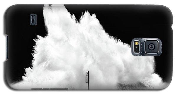 Big Wave Breaking On Breakwater Galaxy S5 Case